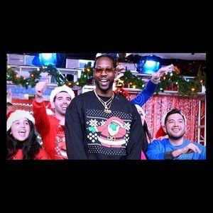Rapper 2 Chainz Dabbing Santa unisex crewneck